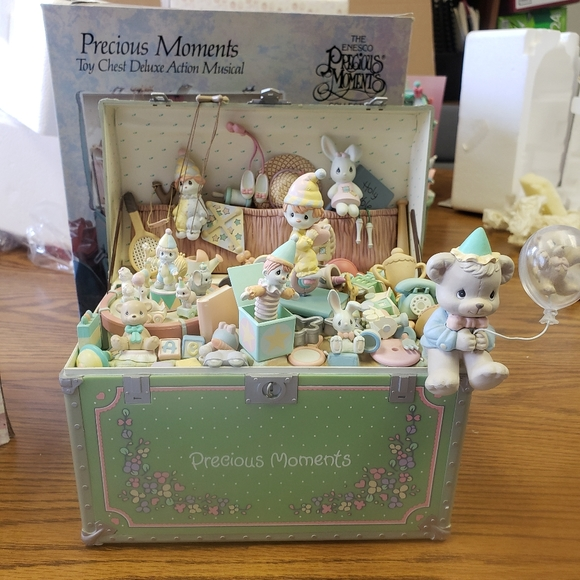 Precious Moments Toy Chest Deluxe Action Musical
